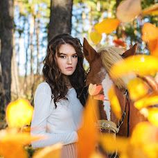 Wedding photographer Anyuta Ontikova (Ontikovaphoto). Photo of 11.10.2015