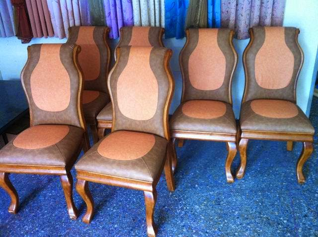 環保皮革餐椅脫皮