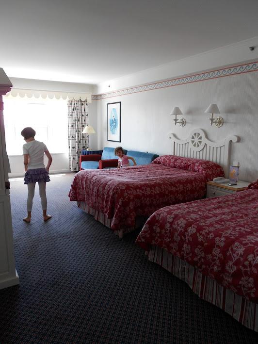 [Hôtel Disney] Disney's Newport Bay Club - Page 6 WPZQxlRv3BA87Xzy-YxmsJqwcfe0vSayD1n3mZFJjWA=w532-h709-no