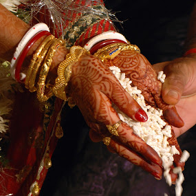 Rituals by Swarup Roy Chowdhury - Wedding Ceremony ( abstract, candid, festival, bride, people )