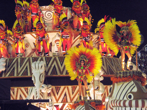 carnaval-cake.jpg - A float in the Carnaval parade in Rio de Janeiro, Brazil.