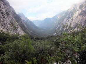 Photo: Une vallée qui rappelle celle de la Malbaie. Trop chaud cependant : on retourne en Italie !