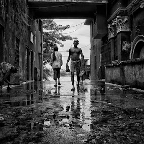 morning bath by  Bivahasutra Wedding Photography - People Street & Candids