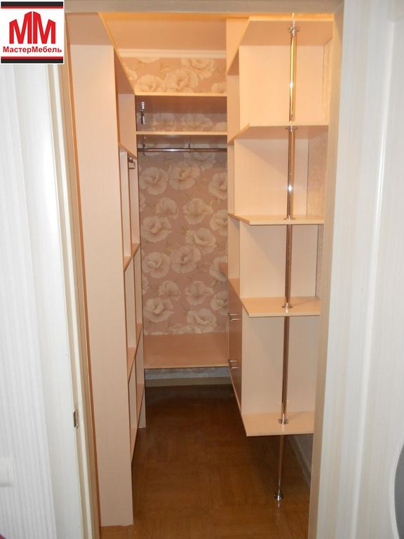 Гардеробная комната своими руками из кладовки