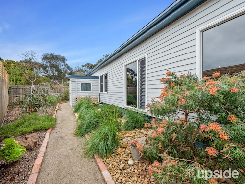 Photo of property at 2/27 Morrisons Avenue, Mount Martha 3934