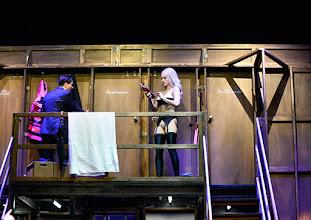 Photo: Wien/ Kammerspiele: DER NACKTE WAHNSINN von Michael Freyn. Inszenierung: Folke Braband. Premiere 14.10.2015. Alexander Pschill,  Alma Hasun. Copyright: Barbara Zeininger