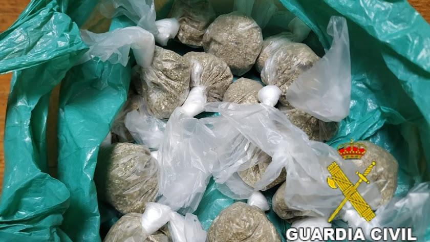 Droga incautada por la Guardia Civil.