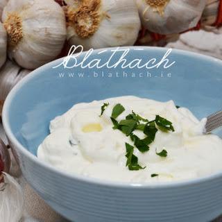 Homemade Yogurt Garlic Dip.
