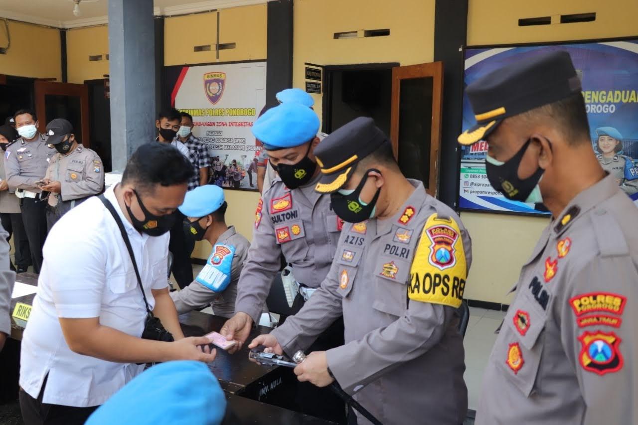 Cegah Penyalahgunaan Senpi Polres Ponorogo Periksa Senpi Anggota