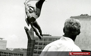 Photo: Wilkinson the tourist during the 1957 trip to Mexico City.