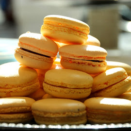 Macaroons by Luciana Popa - Food & Drink Cooking & Baking ( #yum, #macaroons, #pic, #frenchmacaroons, #foorphotography, #foodpic, #delicious, #desert, #vanilla, #photography, #food, #macaroon )