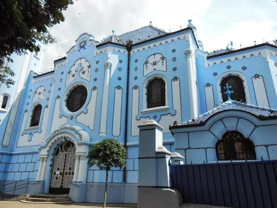 La iglesia azul de Bratislava es una muestra del