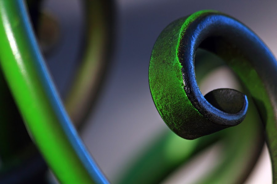 Green Curl by Greg Van Dugteren - Abstract Patterns ( arcs, pwccurves, fond, green, curl, curves )