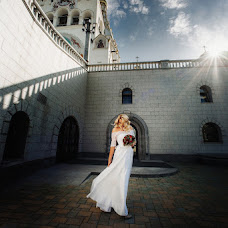 Wedding photographer Dmitriy Shumeev (wedmoment). Photo of 15.02.2018