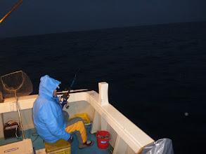 """Photo: 今年1発目の「えさ釣り」です! 準備も早い""""イノウエさん""""速攻でヒーット! ・・・でしたが、サメにやられたー!"""