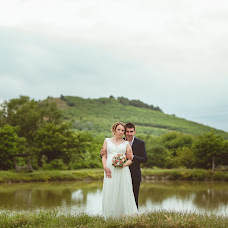 Wedding photographer Miroslava Velikova (studioMirela). Photo of 16.08.2017
