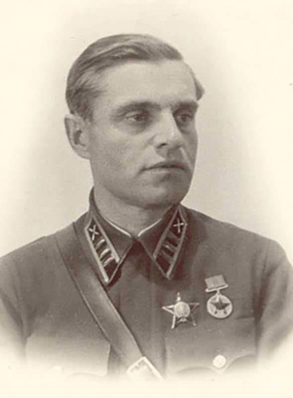 Казаков В.И. - командующий артиллерией 16А