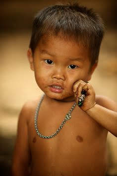Laos – Hmong village child