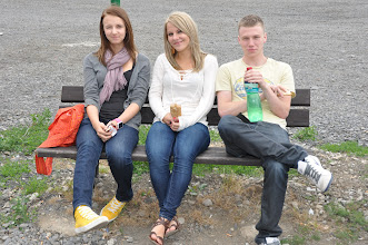 Photo: Na odpočívadle Filipek v Polsku. Dobrá nálada na nehezkém parkovišti.