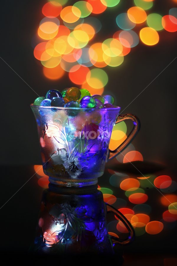 Bubble reflection by Didik Harianto - Artistic Objects Cups, Plates & Utensils ( cup, bubble, reflection, color, tea, bokeh, pwccups )