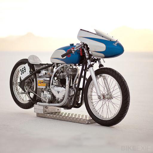 Racer Pré-Unit Triuph Bonneville 6T, présenté par Machines et Moteurs le spécialiste des motos Anglaise classiques.