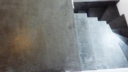 palier escalier en béton ciré