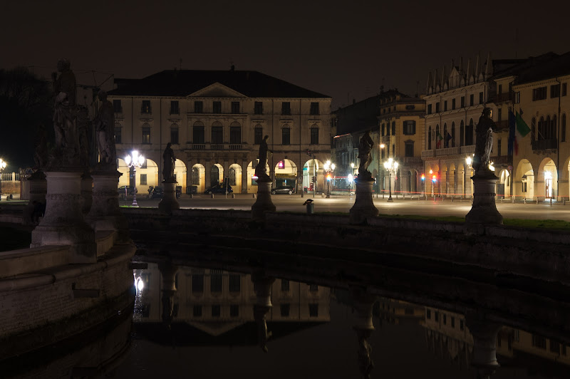 Padova by night di Giomi