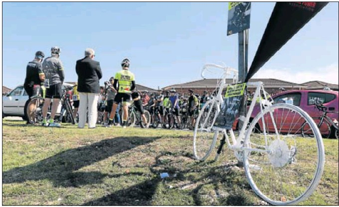 A group recently handed over a petition to the mayor after a mass cycle to raise awareness of the dangers for cyclists on Port Elizabeth roads