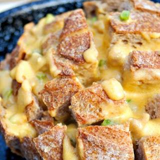 Cheesy Cheddar Pull Apart Bread