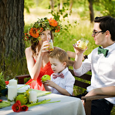 Wedding photographer Olga Denisova (Olivy). Photo of 13.06.2014