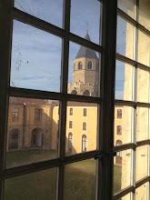 Photo: Vue clocher abbatiale et cour des Rouges, depuis Espace Contemporains de Dom Robert