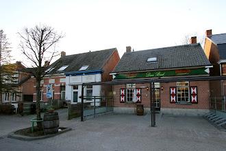 Photo: Serie Op Cafe : Den Bud Meersel Dreef Tekst en foto Leon Krijnen