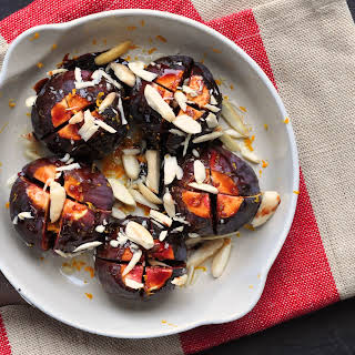 Oven-baked Fresh Figs With Almonds And Orange Juice.