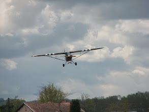Photo: Darren et son Piper L-4H Grasshopper (J3C-65D) en courte finale