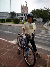 Photo: セントロ(旧市街)へ日曜サイクリング