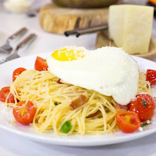 Spaghetti Carbonara with Fried Eggs