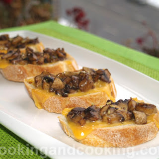 Crostini with Mushrooms.