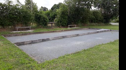 Terrain de pétanque accessible boulodrome PMR