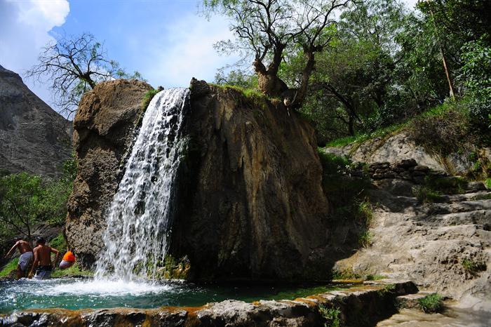 Cascada de agua en Churín Perú
