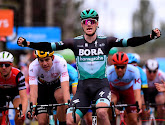 Sam Bennett remmporte la troisième étape de la Vuelta, Roche reste leader