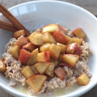 Warm Cinnamon Apple Oatmeal