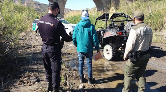 Cinco denunciados por ir en moto en espacios protegidos de Gérgal y Tabernas