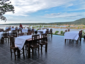 Photo: the open dining area of the Tohsang Khong Jiam Resort
