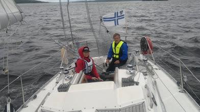 Photo: Karavaanareilla on traileripursi ja halu oppia purjehtimaan.