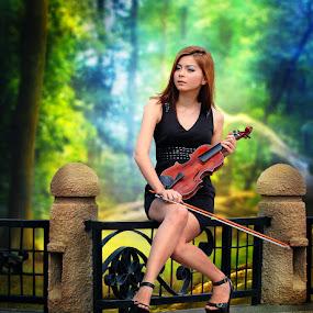 Waiting Your Song by Zainal Arifin  - People Fashion