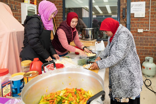 Gift of food gives life to Islamic community during Ramadan
