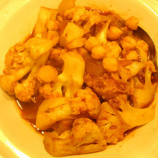 Curried-Tomatoey Cauliflower and Garbanzos