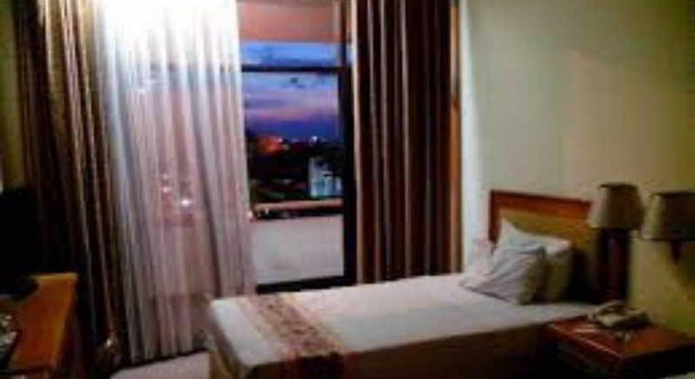 Weta International Hotel Surabaya