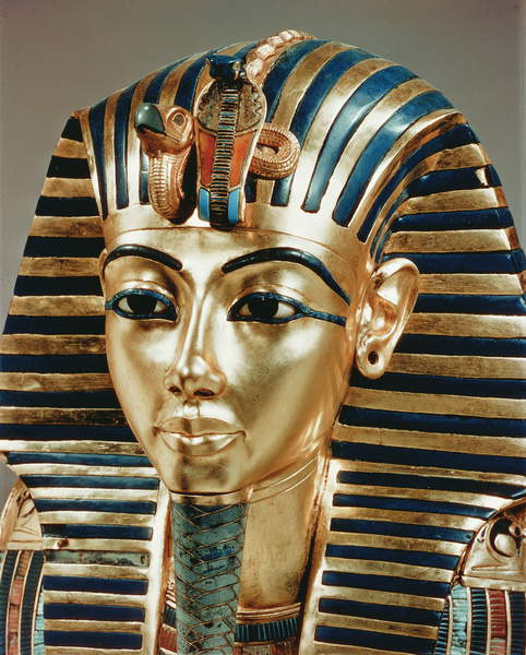 Image of The gold mask, from the Treasure of Tutankhamun (c.1370-52 BC) c.1340 BC (gold), vulture's head, symbolizing sovereignty over Upper-Egypt; cobra, symbolizing sovereignty over lower Egypt; discovered in 1922 in the Valley of the Kings by Howard Carter; Egyptian 18th Dynasty (c.1567-1320 BC) / Egyptian, Egyptian National Museum, Cairo, Egypt, © Bridgeman Images