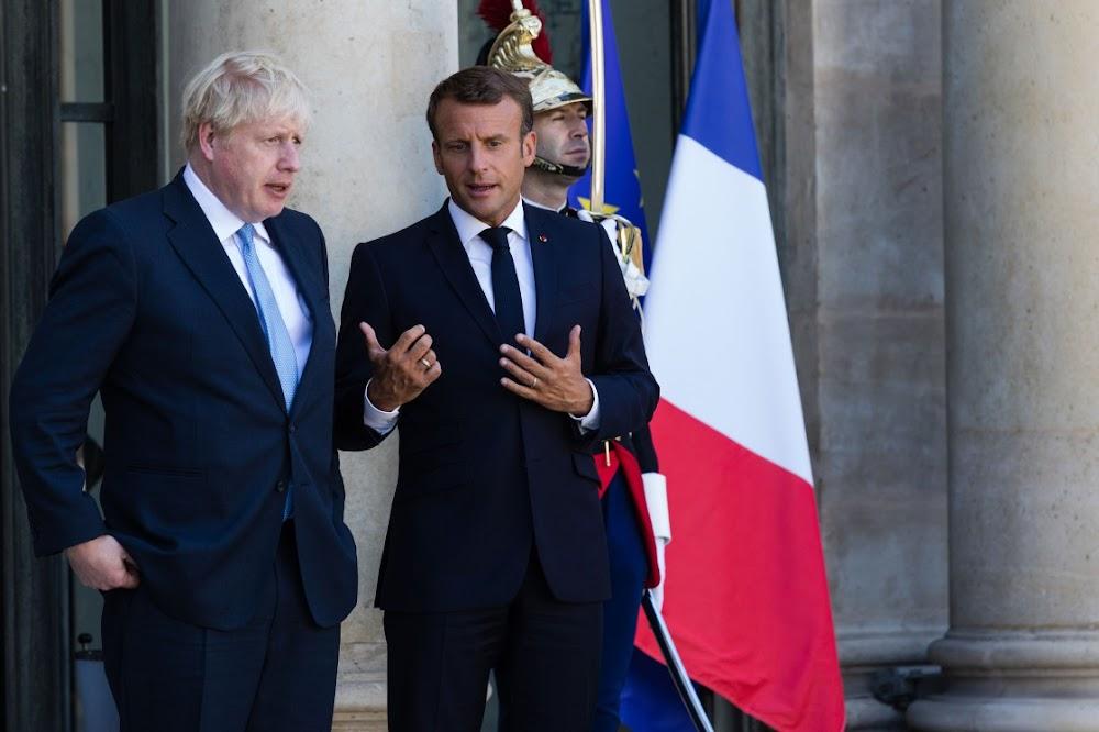 Emmanuel Macron steun die maand van Brexit-samesprekings, maar gaan nie oor Ierland nie